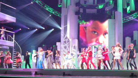 Everyone singing together at JESC 2012