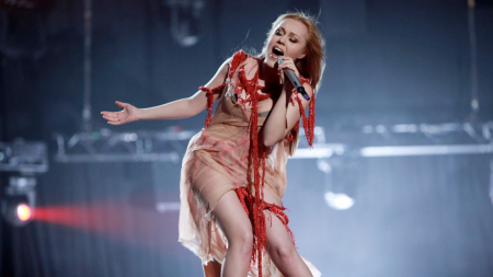 Alyosha on stage at ESC 2010 (picture: eurovision.tv)